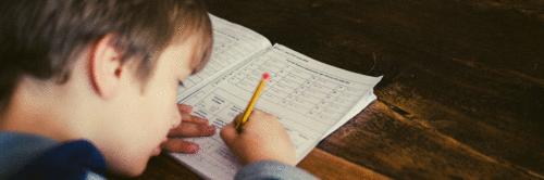 Como ajudar meu filho nos estudos em casa?